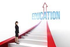 Istruzione contro la freccia rossa con i punti grafici Fotografie Stock Libere da Diritti