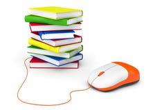 Istruzione di Internet. Libri e topo del computer Fotografia Stock Libera da Diritti