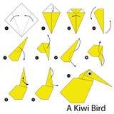 Istruzioni graduali come rendere ad origami Kiwi Bird Fotografia Stock Libera da Diritti