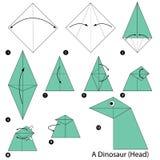 Istruzioni graduali come rendere ad origami un dinosauro (testa) Fotografia Stock