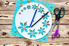 Istruzioni graduali per la fabbricazione di orologi fatti a mano Fotografie Stock Libere da Diritti