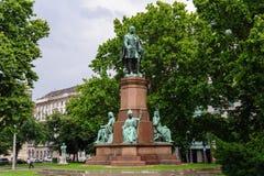 Istvan Szechenyi staty royaltyfri bild