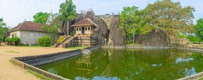 Isurumuniya修道院池塘  免版税库存照片