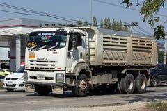 Isuzu Dump lastbil av företaget för Norst stjärnagrupp Arkivbilder