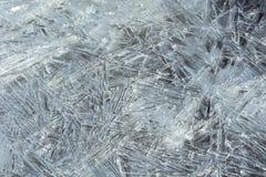 Isvatten med iskristaller Royaltyfria Bilder
