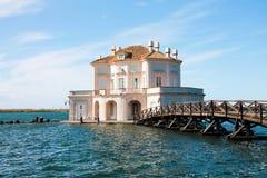 Itália - NAPOLI - fusaro de Lago, Casina Vanvitelliana Imagens de Stock Royalty Free
