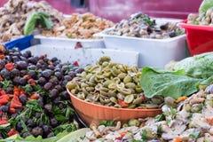 Itália: Uma tenda típica com produtos sicilianos Imagem de Stock