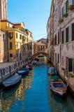 Itália, Veneza, estacionamento do barco Imagem de Stock
