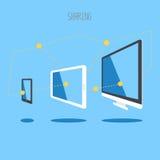 IT设备片剂智能手机桌面云彩sync信息 免版税库存图片