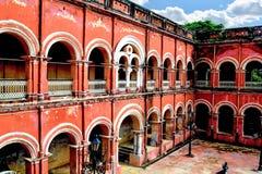 Itachuna Rajbari Zamindar bari som lokaliseras på det Hooghl området royaltyfri bild