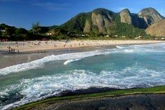 Itacoatiara海滩在尼泰罗伊 免版税库存图片