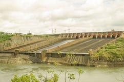Itaipu水力发电水坝 免版税库存图片