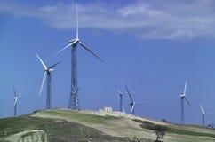 Italië, eolic energieturbines Stock Afbeeldingen