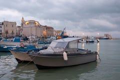Italië, Puglia, Bari, de haven van Trani royalty-vrije stock foto's