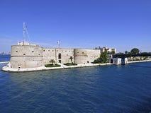 Italië, Puglia, Taranto, het Aragonese-Kasteel royalty-vrije stock fotografie