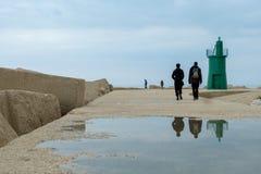 Italië, Puglia, vuurtoren van de haven van Trani royalty-vrije stock afbeelding