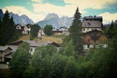Italië, 2018, ricreazione, chalet, Venezia, Sappada, le montagne, de retro bergen, alpen royalty-vrije stock foto's