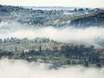 Italië, Toscanië, Florence met mist, royalty-vrije stock afbeelding