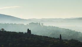 Italië, Toscanië, Florence met mist, stock fotografie