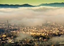 Italië, Toscanië, Florence met mist, royalty-vrije stock foto's