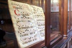 Italië, Toscanië, Florence, Santa Croce Church, een boek Stock Fotografie