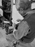 Italië-Toscanië-Minucciano-LU: De oude machine leidt tot belemmeringen, op vertoning, binnen het museum van Minucciano Stock Afbeelding