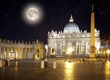 Italië rome vatikaan Het Vierkant van heilige Peter bij nacht Stock Foto