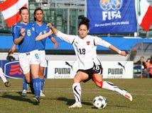 Italia - Austria, fútbol femenino U19; emparejamiento cómodo Imagen de archivo libre de regalías