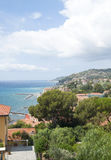 ITALIA, IMPERIO - 14 DE JULIO DE 2014: Vista de la costa de la ciudad de Foto de archivo libre de regalías