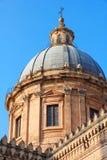 Italia Isla de Sicilia Ciudad de Palermo Catedral en la puesta del sol Imágenes de archivo libres de regalías