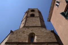 Italia, la isla de Cerdeña Una torre de iglesia fotos de archivo libres de regalías