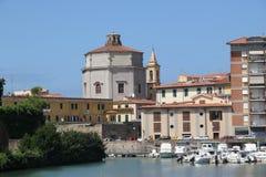 Italia, Livorno, con vistas al canal de la ciudad Fotos de archivo