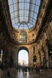 Italia, Milán, Galleria Vittorio Emanuele II, tejado y salida fotografía de archivo libre de regalías