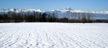 Italia, Piedmont Uma vista a cordilheira dos cumes de Cottian Imagem de Stock