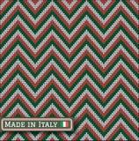 Italia que hace punto colorea el almenaje del suéter del modelo Foto de archivo libre de regalías