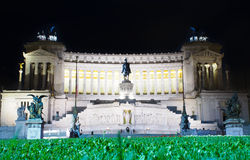 Italia, Roma - exposición larga de la noche del altar de la patria Fotografía de archivo