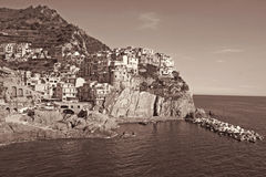 Italia Terre de Cinque Aldea de Manarola En la sepia entonada pocilga retra Fotos de archivo