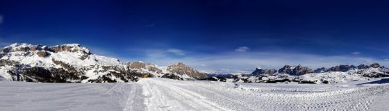 Italia, Trentino, dolomías, vista panormaic de las montañas imagenes de archivo
