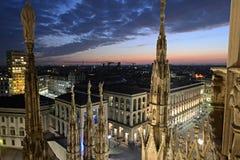 Italia - visión desde los di Milano del Duomo Imagenes de archivo