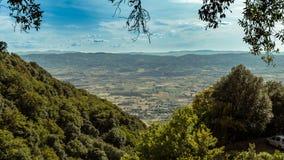 Italiaans betoverend platteland stock afbeeldingen