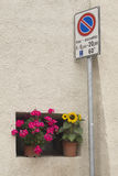 Italiaans bloemvenster Royalty-vrije Stock Afbeeldingen