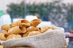 Italiaans culinair baksel zoet dessert Siciliaanse Cannoli Royalty-vrije Stock Fotografie