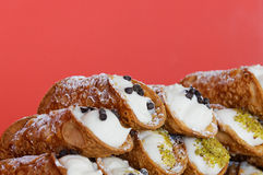 Italiaans culinair baksel zoet dessert Siciliaanse Cannoli Royalty-vrije Stock Afbeeldingen