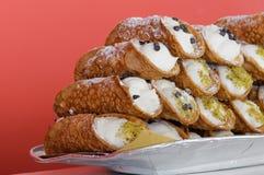 Italiaans culinair baksel zoet dessert Siciliaanse Cannoli Stock Afbeelding