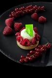 Italiaans Dessert - Kaastaart met Bessen Stock Foto's