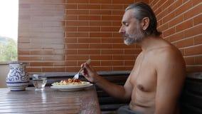 Italiaans dieet op de zomervakantie stock footage