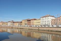 Italiaans kleurrijk huizentoerisme Europa dichtbij water Stock Fotografie
