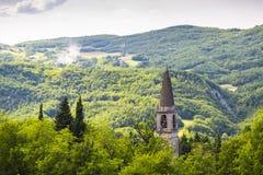 Italiaans Landschap: Spits in de Heuvels Royalty-vrije Stock Fotografie