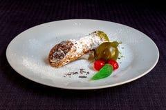 Italiaans Traditioneel Dessert, Siciliaanse Cannolo, Front View stock foto's