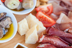Italiaans voedsel op hakbord Royalty-vrije Stock Foto's
